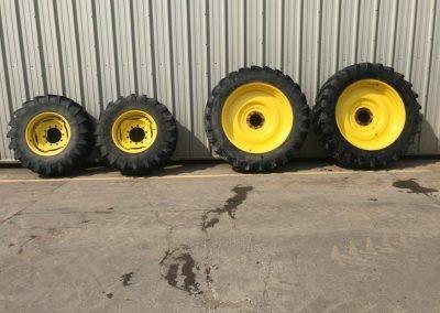 Set of Michelin 420/80 R46″ & 16.9 R28″ wheels to fit John Deere.